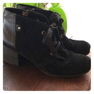Naturalized Low Black Booties